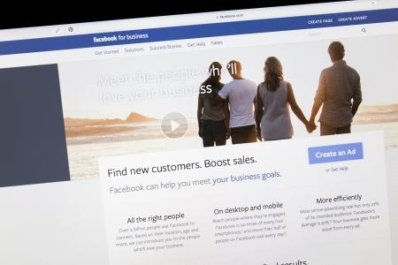 Inserzioni carosello Facebook Ads